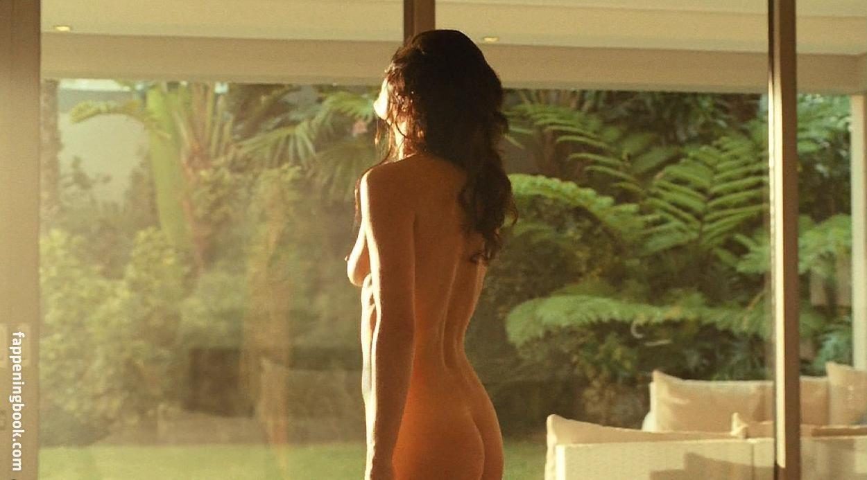 Michelle Lukes  nackt