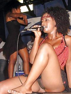 Black upskirt ebony pic