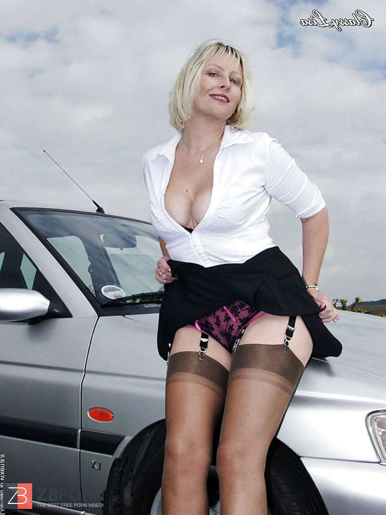 Coma reccomend Mature brits wearing stockings