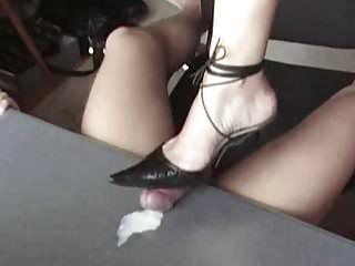 Mistress shoejob