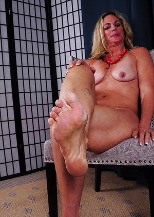 Grandma feet fetish