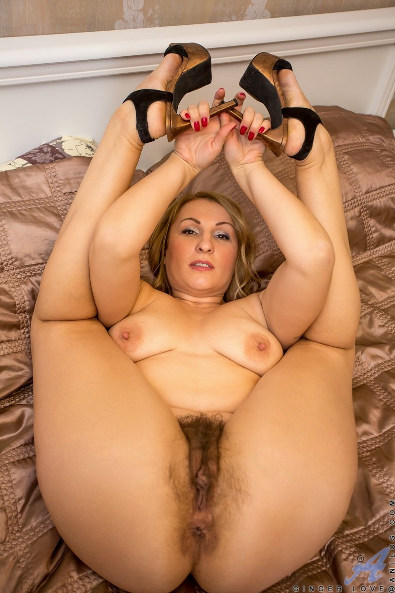 Milf and thick nude