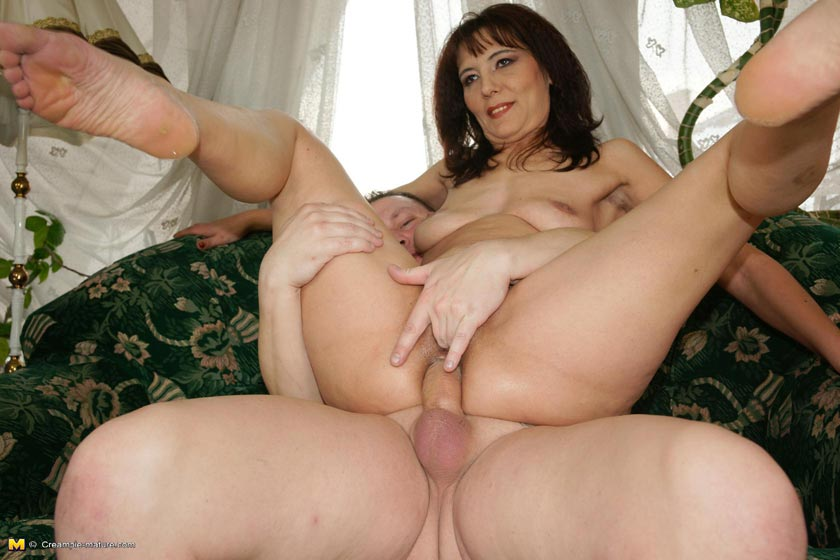8-track reccomend Mature mom whores ass