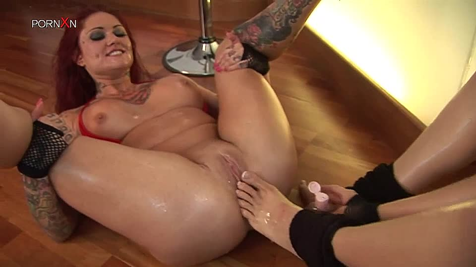 Redhead anal fist dildo