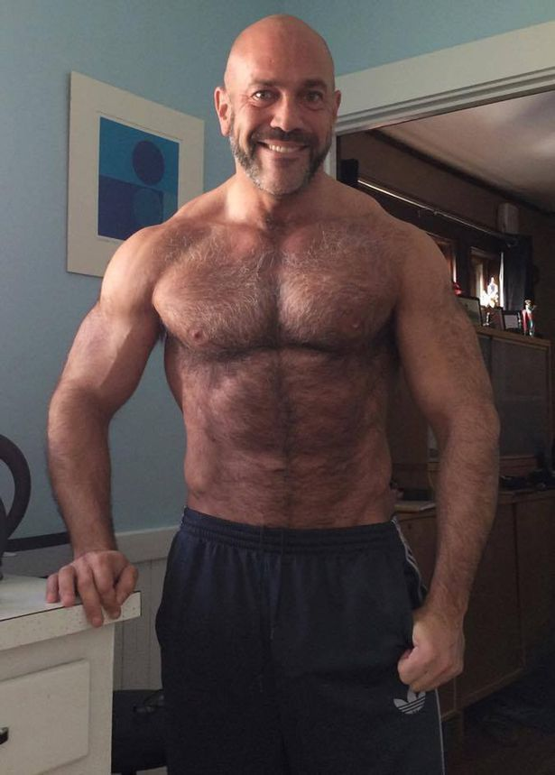 Mature male bodybuilder naked