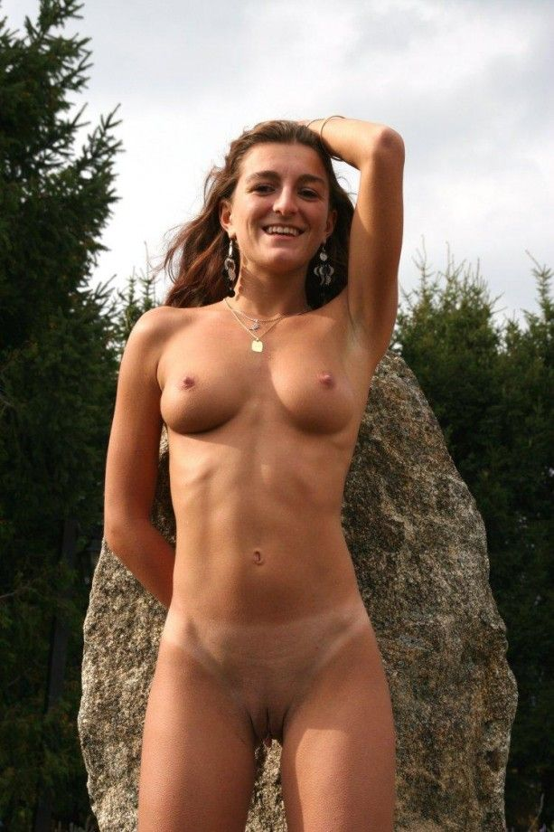Mamsell reccomend Nude amateur milf thumbnails