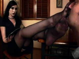 Boss reccomend suck nylon feet