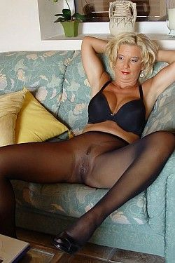 best of Pantyhose Busty matures wearing