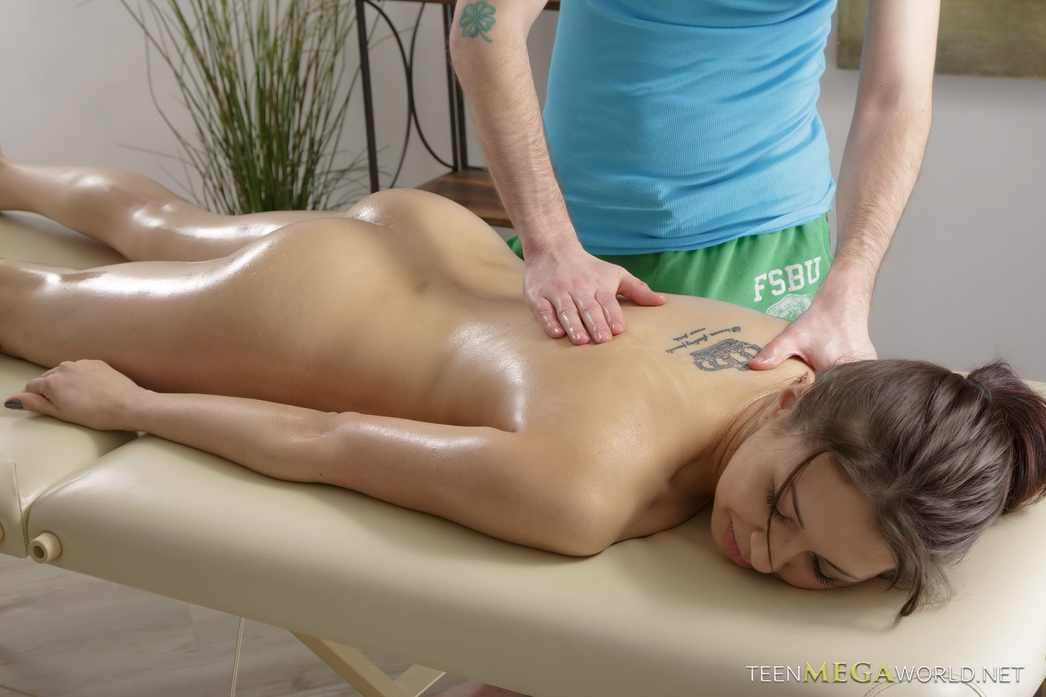 Lifesaver reccomend massage naked