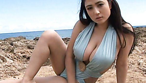 Breast slut suck cock on beach