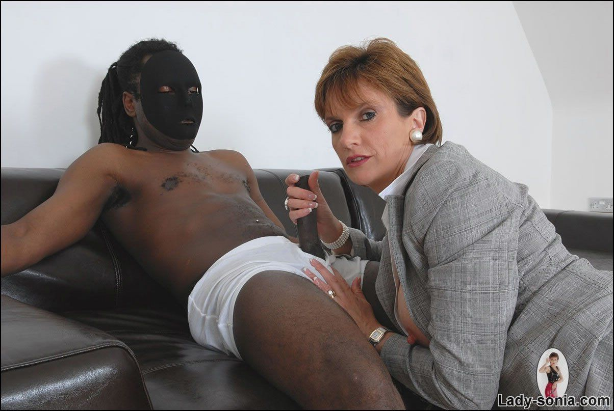 AFRICAN HIGH CLASS MASSAGE FOR VIP- RANDY JOHNSON CREAMPIES HER TIGHT PUSSY.