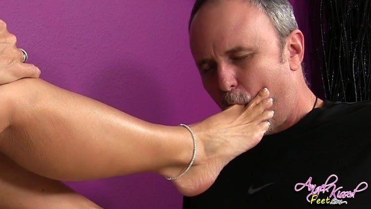 Stoner Girl Smelly Foot/Sock Worship.
