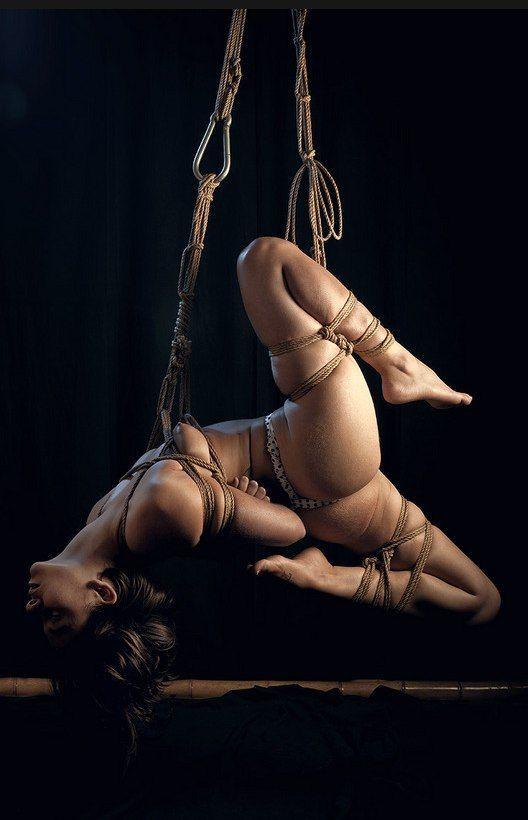 Bdsm rope suspension