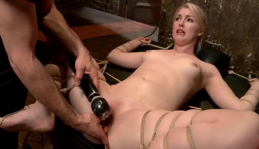 Girl having her first orgasm squrting