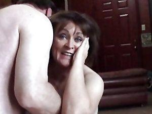 Amateur woman lick cock and crempie