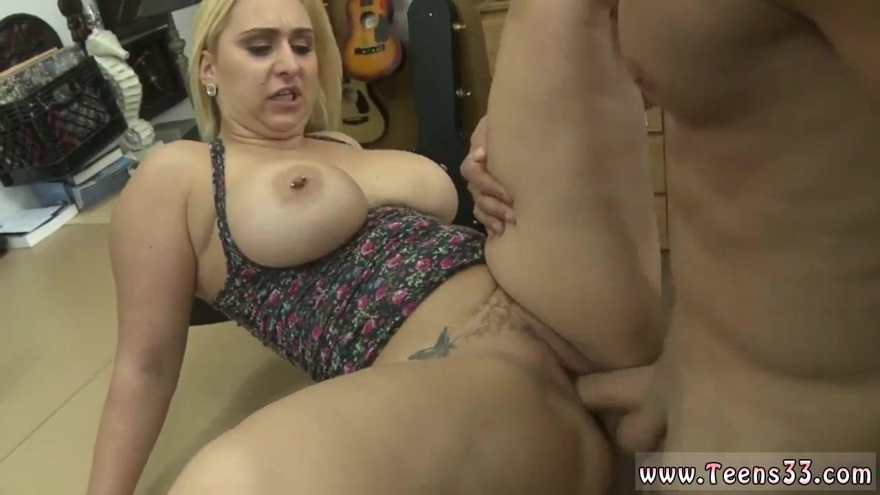 Chubby girl blowjobs