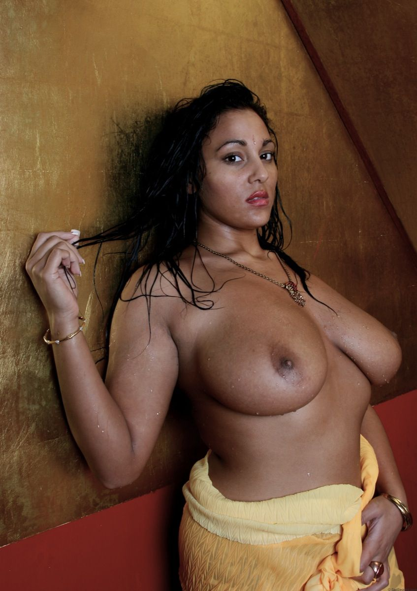 Scratch recomended indian mom big boob