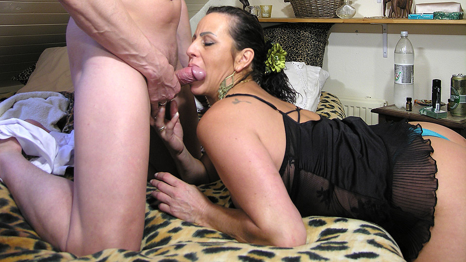 Fish recomended Busty kinky mature porn