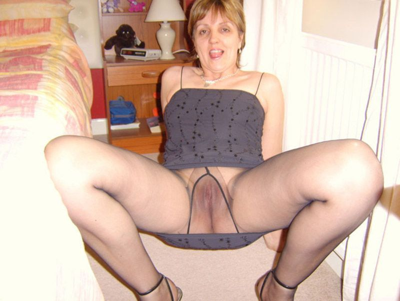 Black W. reccomend Busty matures wearing pantyhose