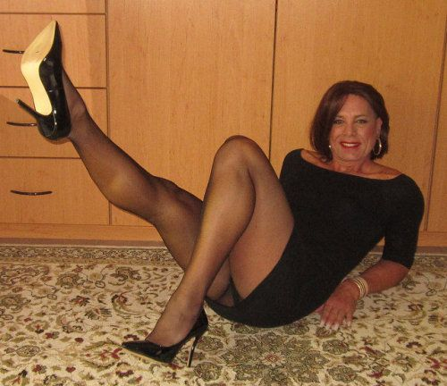 Wild R. reccomend Busty matures wearing pantyhose