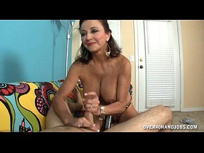 Chubby brunette MILF trying anal sex but her asshole is way too tight!