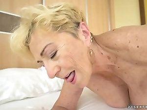 Dominant mature women ass