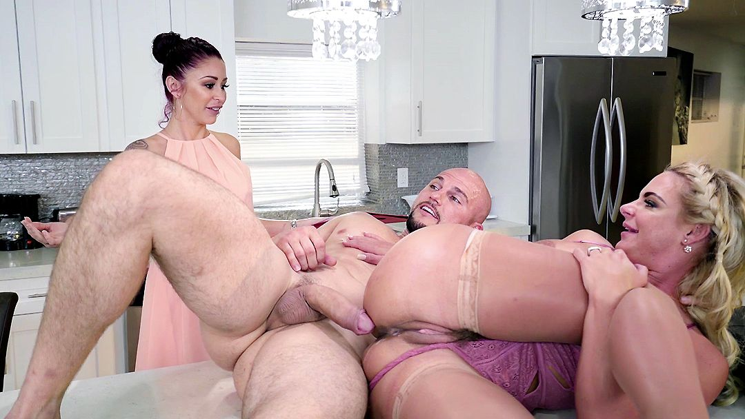 Air A. reccomend Phoenix marie busty creampies