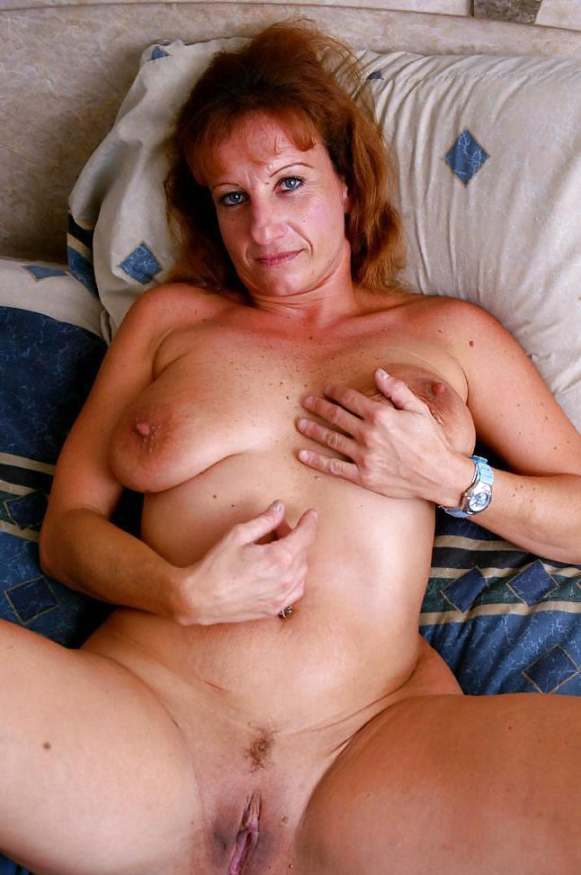 Free mature pic saggy tit