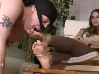 Foot slave french