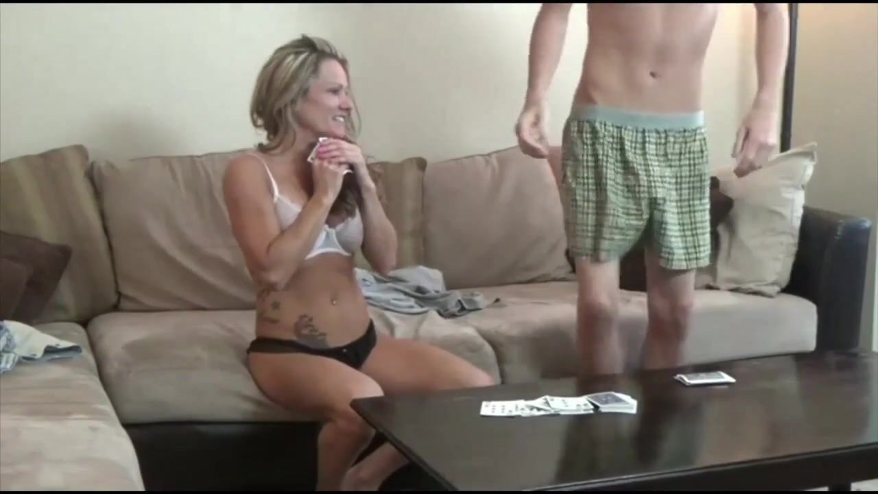 Strip poker mom